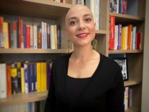 ALOPECIA: A real paradox – Surprising others by changing